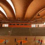 Espectacular cubierta mediante bóvedas de ladrillo que se pliegan para crear lucernarios