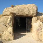 Dolmen de Menga en Antequera. Estructura adintelada del neolítico