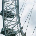 Detalle de los cables que hacen de radios de la noria