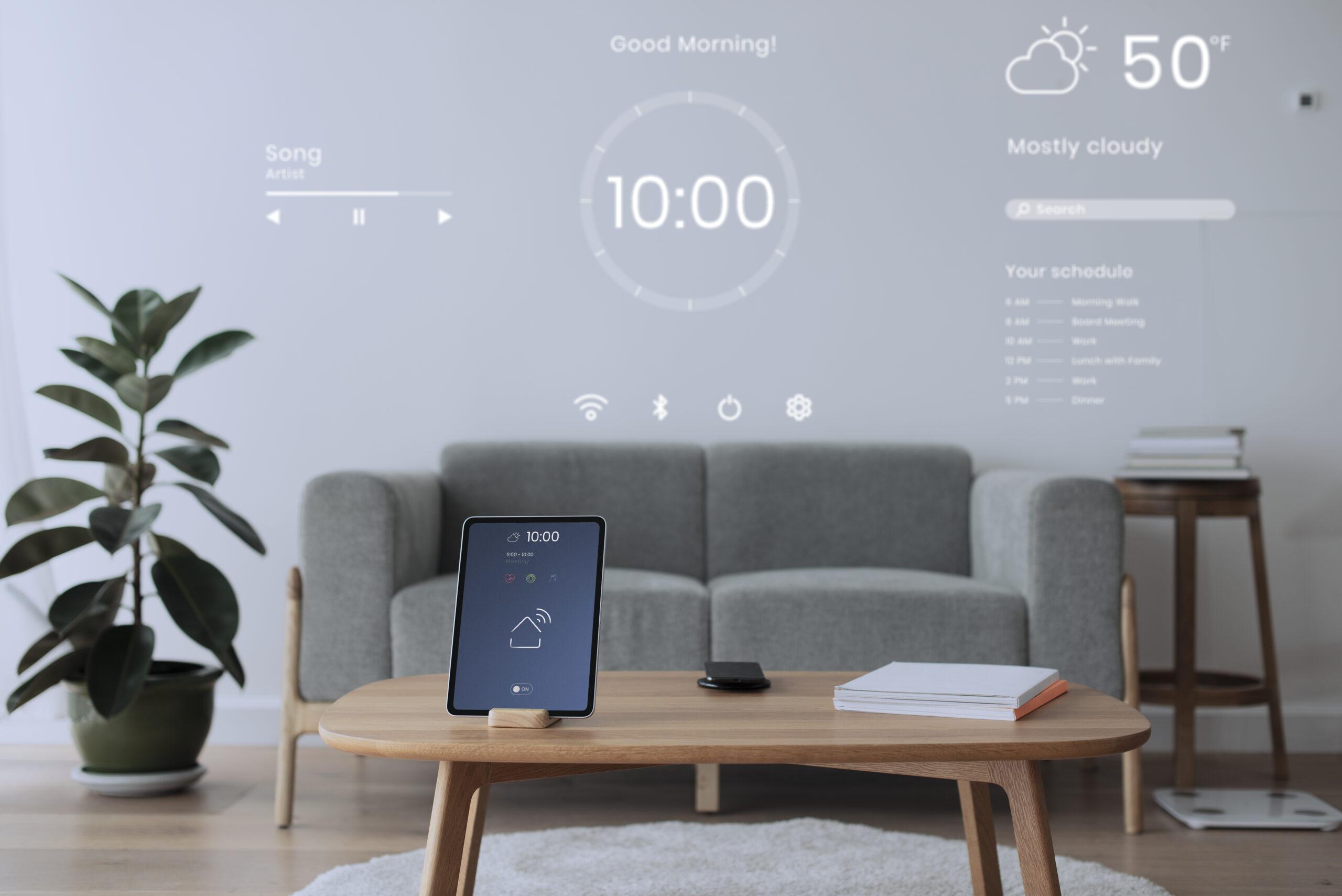 Sala de estar o salón con una tablet y aplicaciones domóticas Smart Home
